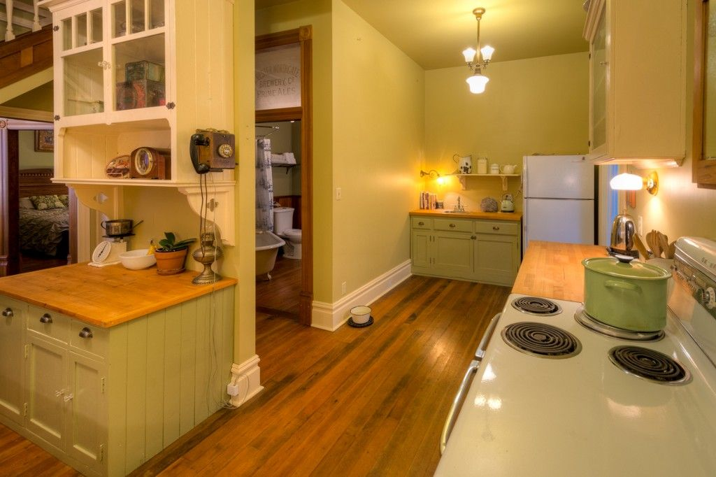 """Photo 31: Photos: 214 FOURTH Avenue in New Westminster: Queens Park House for sale in """"QUEENS PARK"""" : MLS®# R2136258"""