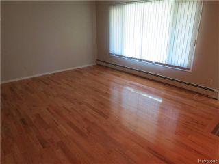 Photo 3: 176 Risbey Crescent in WINNIPEG: Westwood / Crestview Residential for sale (West Winnipeg)  : MLS®# 1323461