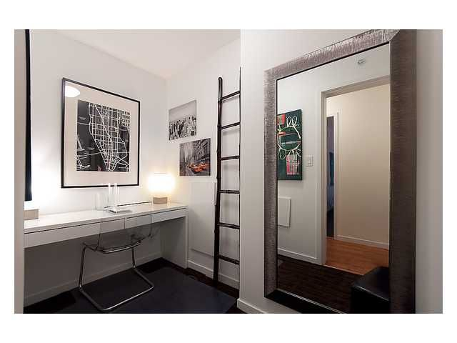 """Photo 7: Photos: # 706 111 W GEORGIA ST in Vancouver: Downtown VW Condo for sale in """"111 WEST GEORGIA"""" (Vancouver West)  : MLS®# V911690"""