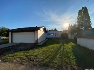 Photo 2: 213 Segwun Avenue North in Fort Qu'Appelle: Residential for sale : MLS®# SK856791
