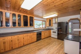 Photo 3: 4063 2ND Avenue in Smithers: Smithers - Town House for sale (Smithers And Area (Zone 54))  : MLS®# R2372613
