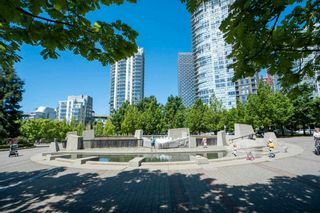 """Photo 3: 1206 1495 RICHARDS Street in Vancouver: Yaletown Condo for sale in """"AZURA II"""" (Vancouver West)  : MLS®# R2591311"""