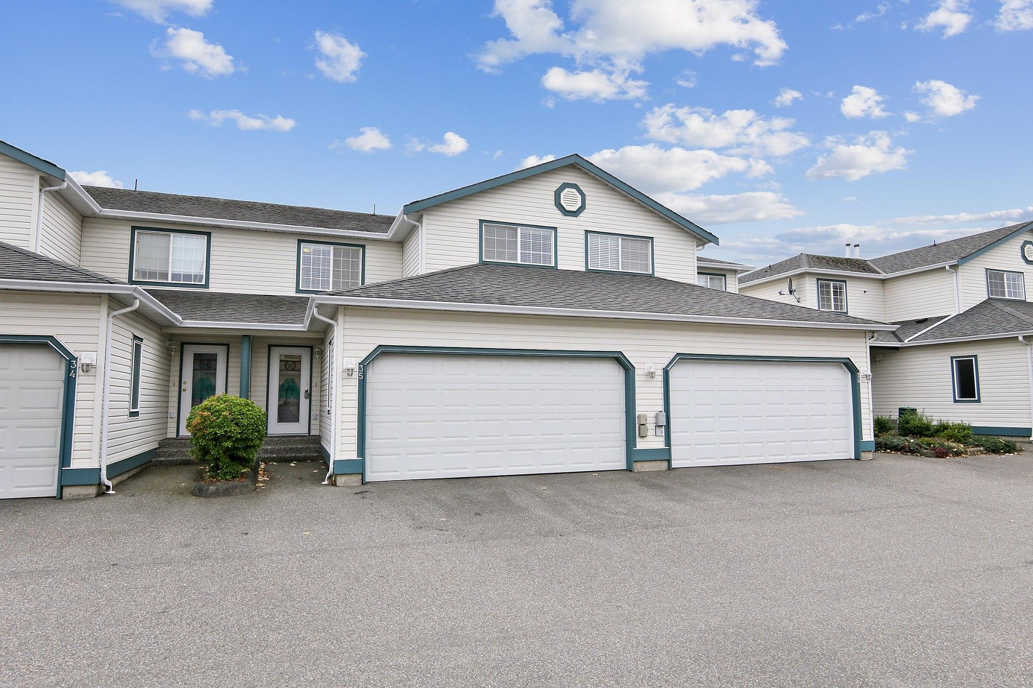 """Main Photo: 35 6434 VEDDER Road in Chilliwack: Sardis East Vedder Rd Townhouse for sale in """"Willow Lane"""" (Sardis)  : MLS®# R2625563"""