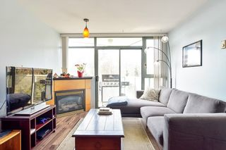 """Photo 2: 710 2733 CHANDLERY Place in Vancouver: South Marine Condo for sale in """"River Dance"""" (Vancouver East)  : MLS®# R2573538"""