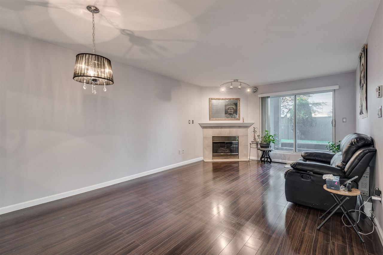 """Photo 5: Photos: 108 3733 NORFOLK Street in Burnaby: Central BN Condo for sale in """"Winchelsea"""" (Burnaby North)  : MLS®# R2400393"""