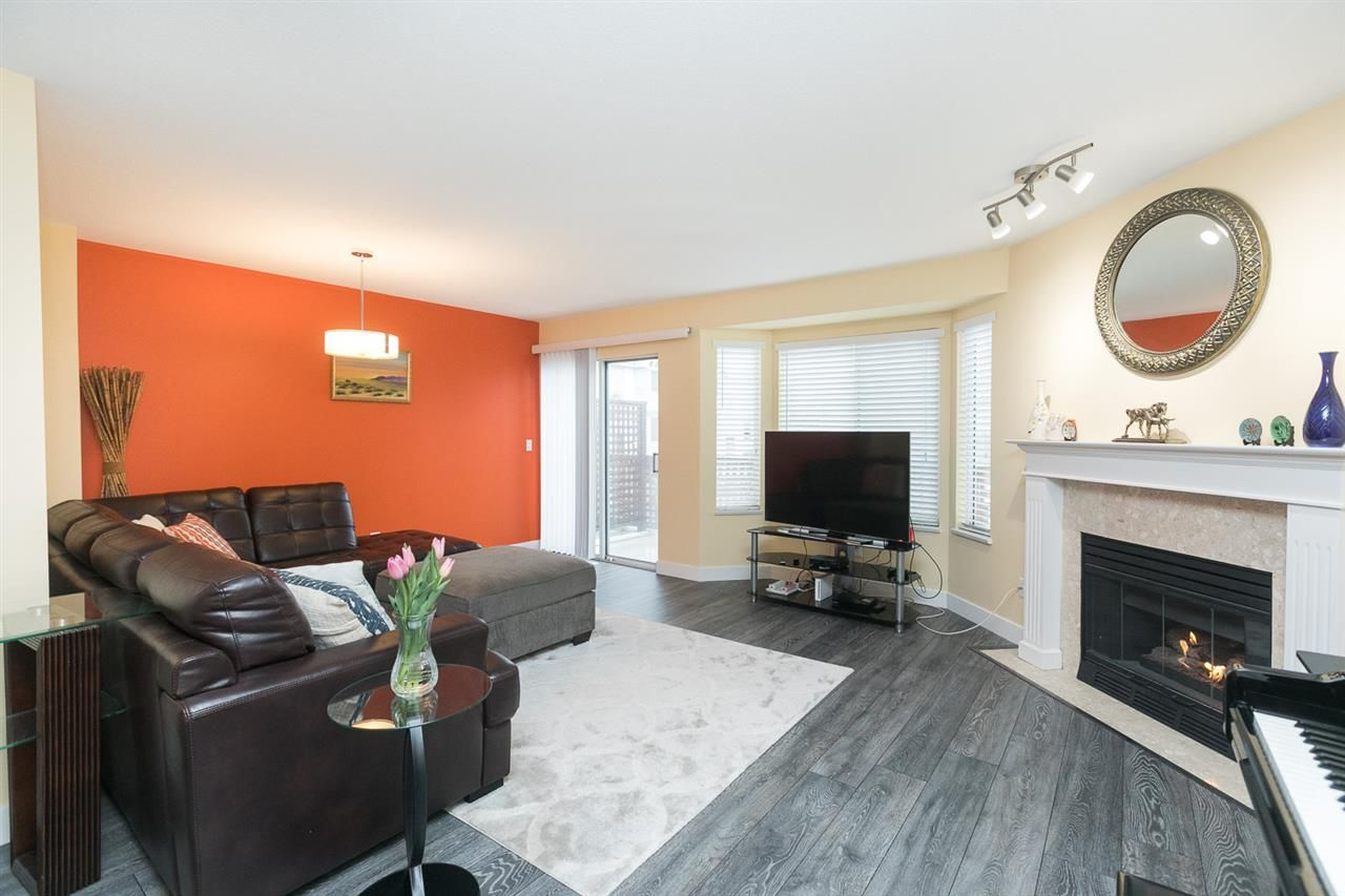 "Photo 1: Photos: 15 7875 122 Street in Surrey: West Newton Townhouse for sale in ""The Georgian"" : MLS®# R2446530"