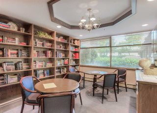 """Photo 15: 407 15111 RUSSELL Avenue: White Rock Condo for sale in """"PACIFIC TERRACE"""" (South Surrey White Rock)  : MLS®# R2181826"""