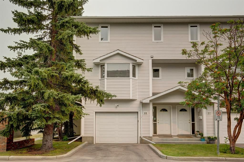 Main Photo: 101 Glenbrook Villas SW in Calgary: Glenbrook Row/Townhouse for sale : MLS®# A1141903