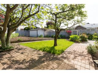 Photo 2: 1662 140A Street in Surrey: Sunnyside Park Surrey House for sale (South Surrey White Rock)  : MLS®# R2064572