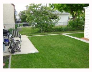 Photo 2: 1207 SPRUCE Street in WINNIPEG: West End / Wolseley Residential for sale (West Winnipeg)  : MLS®# 2810323