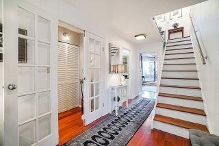 Photo 2: 305 673 MARKET HILL in Vancouver: False Creek Townhouse for sale (Vancouver West)  : MLS®# R2570435