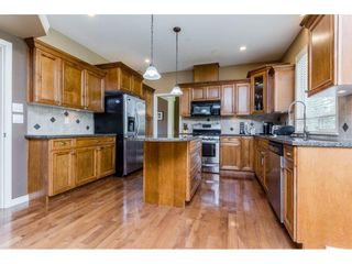 Photo 7: 4215 199A Street in Langley: Brookswood Langley House for sale : MLS®# R2149185