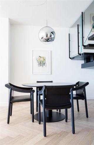 """Photo 4: PH9 1480 HOWE Street in Vancouver: Yaletown Condo for sale in """"VANCOUVER HOUSE"""" (Vancouver West)  : MLS®# R2526689"""