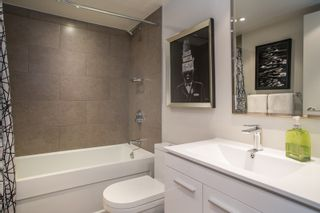 "Photo 15: 1902 930 CAMBIE Street in Vancouver: Yaletown Condo for sale in ""Pacific Place Landmark II"" (Vancouver West)  : MLS®# R2361842"