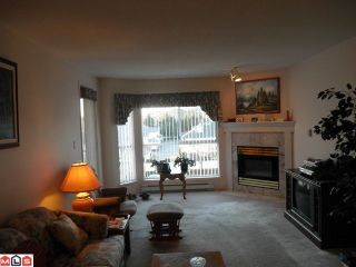 Photo 10: 315 19835 64TH Avenue in Langley: Willoughby Heights Condo for sale : MLS®# F1201075