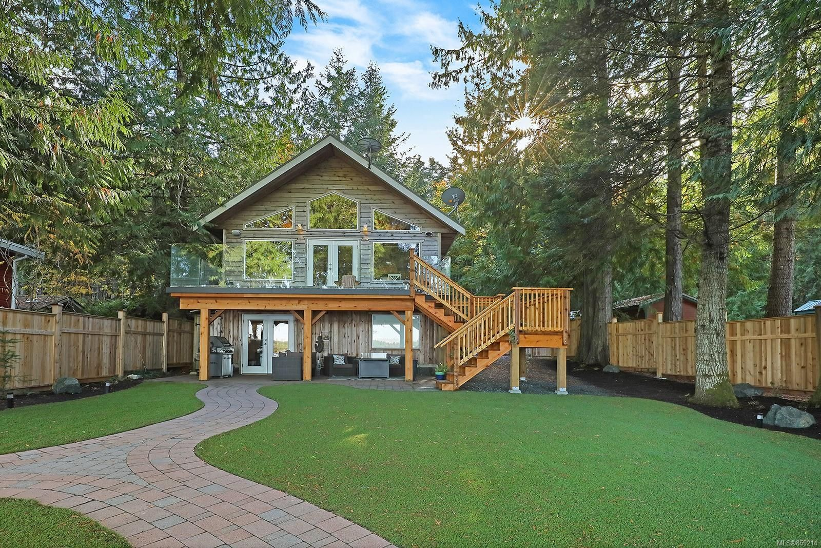 Main Photo: 2582 East Side Rd in : PQ Qualicum North House for sale (Parksville/Qualicum)  : MLS®# 859214