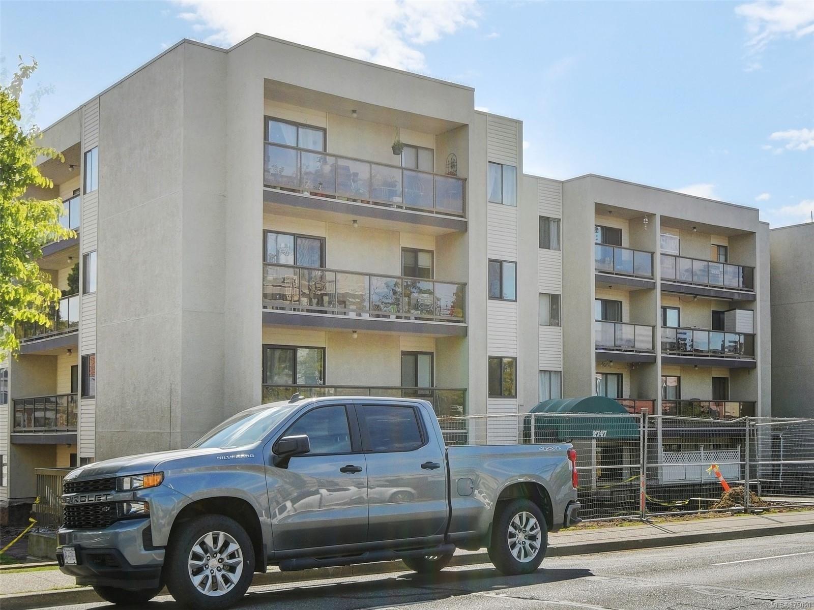 Main Photo: 206 2747 Quadra St in : Vi Hillside Condo for sale (Victoria)  : MLS®# 875020