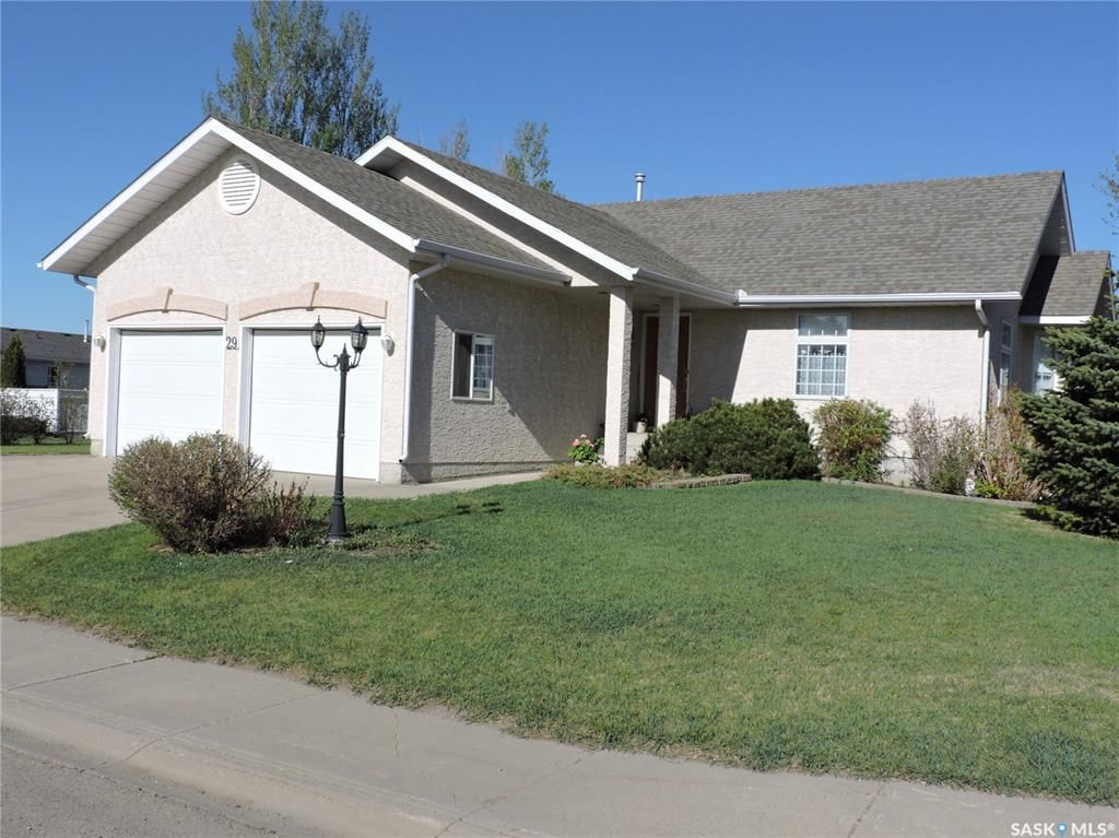 Main Photo: 29 Caldwell Drive in Yorkton: Weinmaster Park Residential for sale : MLS®# SK856115