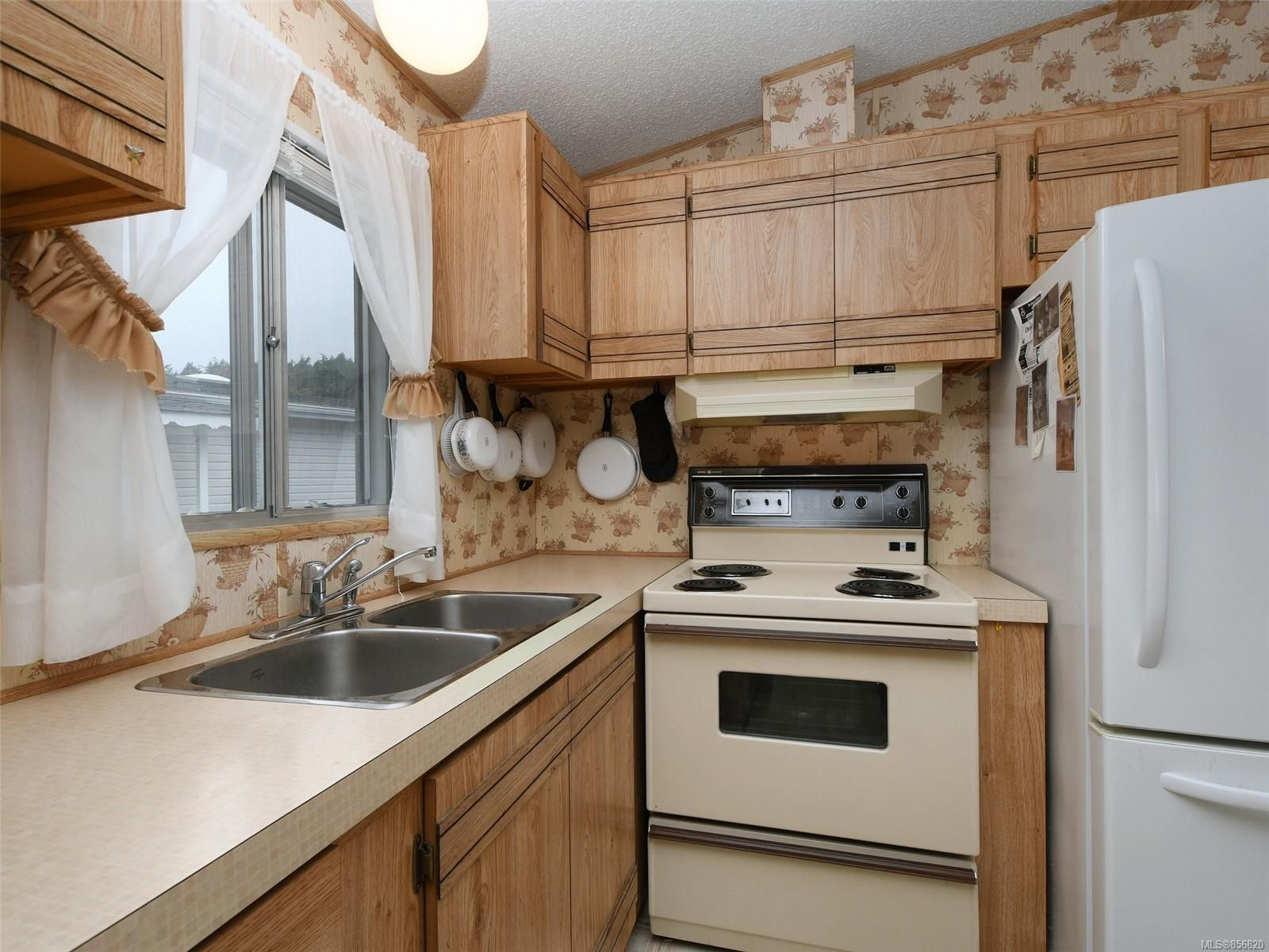 Photo 11: Photos: 25 7871 West Coast Rd in : Sk Kemp Lake Manufactured Home for sale (Sooke)  : MLS®# 856820