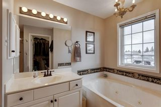 Photo 18: 127 Hawkmount Close NW in Calgary: Hawkwood Detached for sale : MLS®# A1094482