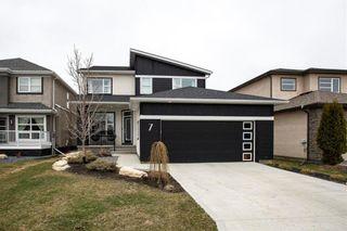 Photo 1: 7 Snowberry Circle in Winnipeg: Sage Creek Residential for sale (2K)  : MLS®# 202107171