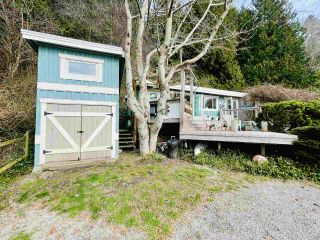 "Photo 18: 2028 OCEAN BEACH Esplanade in Gibsons: Roberts Creek House for sale in ""WHITAKER BEACH"" (Sunshine Coast)  : MLS®# R2546949"
