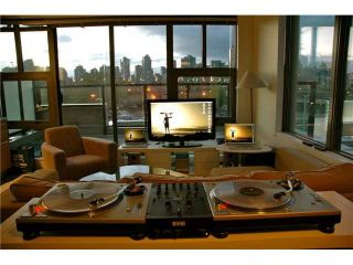 """Photo 2: 404 388 W 1ST Avenue in Vancouver: False Creek Condo for sale in """"THE EXCHANGE"""" (Vancouver West)  : MLS®# V1028659"""
