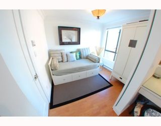 """Photo 6: 1102 1189 HOWE Street in Vancouver: Downtown VW Condo for sale in """"THE GENESIS"""" (Vancouver West)  : MLS®# V779458"""