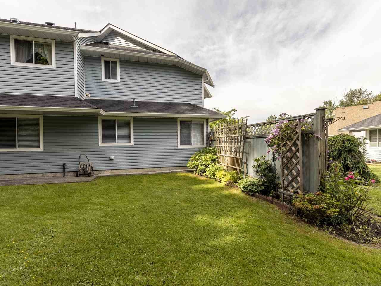 """Photo 5: Photos: 127 22555 116 Avenue in Maple Ridge: East Central Townhouse for sale in """"HILLSIDE"""" : MLS®# R2493046"""