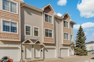 Photo 2: 2 243 Herold Terrace in Saskatoon: Lakewood S.C. Residential for sale : MLS®# SK848949