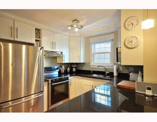 """Photo 4: 1365 W 7TH AV in Vancouver: Fairview VW Condo for sale in """"WEMSLEY MEWS"""" (Vancouver West)  : MLS®# V806389"""