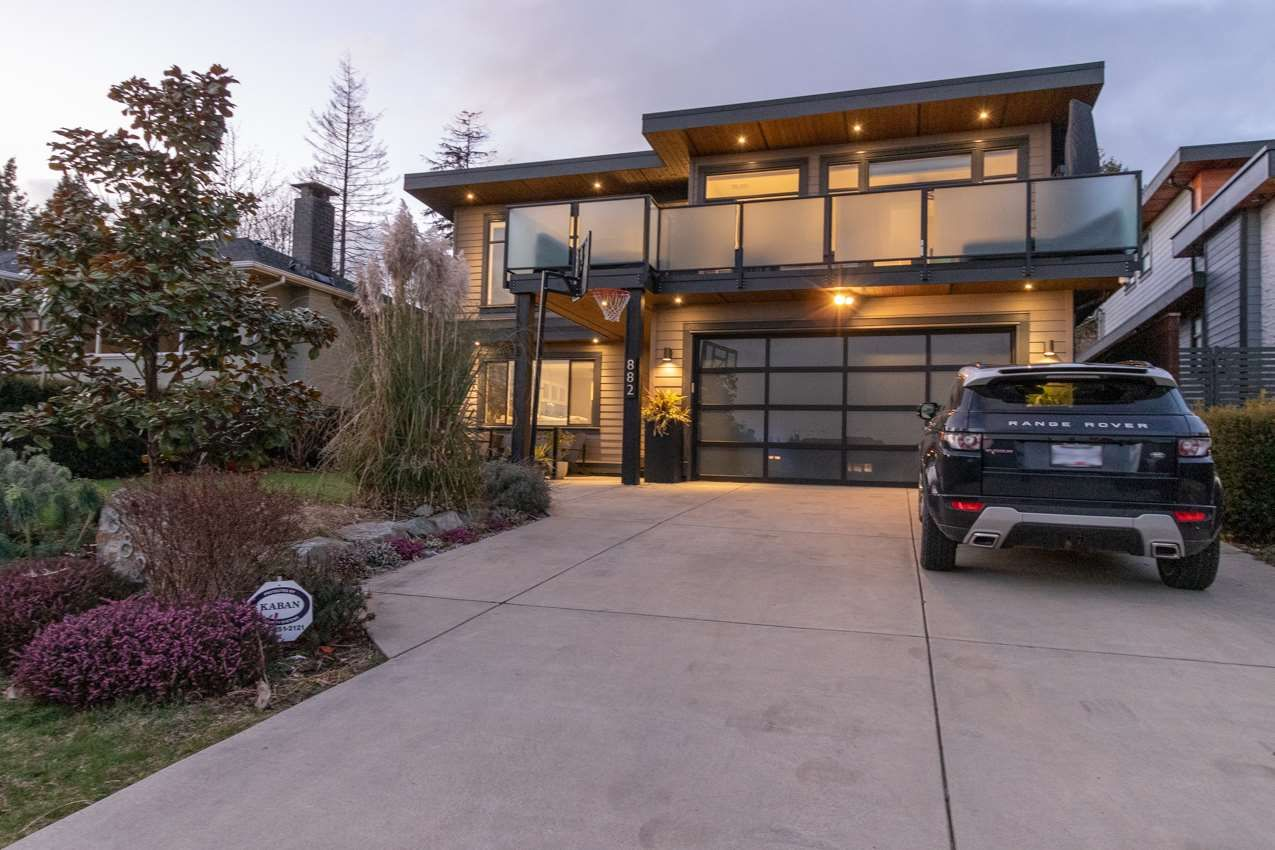 Main Photo: 882 WHITCHURCH Street in North Vancouver: Calverhall House for sale : MLS®# R2537806