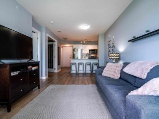 Photo 3: 302 2733 CHANDLERY Place in Vancouver: South Marine Condo for sale (Vancouver East)  : MLS®# R2483139