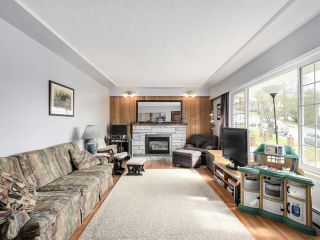 Photo 3: 3935 WILLIAM Street in Burnaby: Willingdon Heights House for sale (Burnaby North)  : MLS®# R2149718