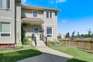 Photo 3: 417 DUNLUCE Road in Edmonton: Zone 27 Townhouse for sale : MLS®# E4261945