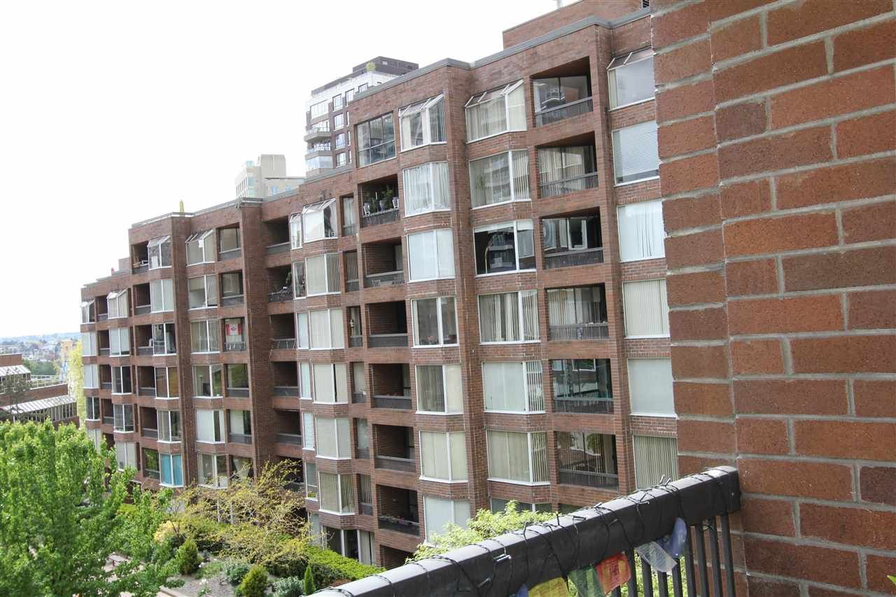 "Main Photo: 514 950 DRAKE Street in Vancouver: Downtown VW Condo for sale in ""Anchor Point 2"" (Vancouver West)  : MLS®# R2575724"