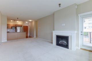 """Photo 4: 412 3097 LINCOLN Avenue in Coquitlam: New Horizons Condo for sale in """"LARKIN HOUSE"""" : MLS®# R2622178"""