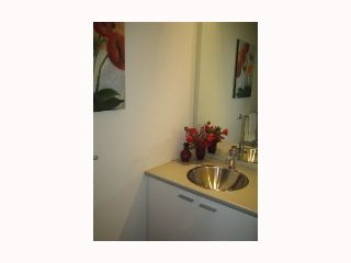 """Photo 7: 103 REGIMENT Square in Vancouver: Downtown VW Townhouse  in """"SPECTRUM 3"""" (Vancouver West)  : MLS®# V817637"""