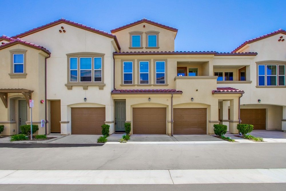 Main Photo: SAN DIEGO Townhouse for sale : 2 bedrooms : 6645 Canopy Ridge Ln #22