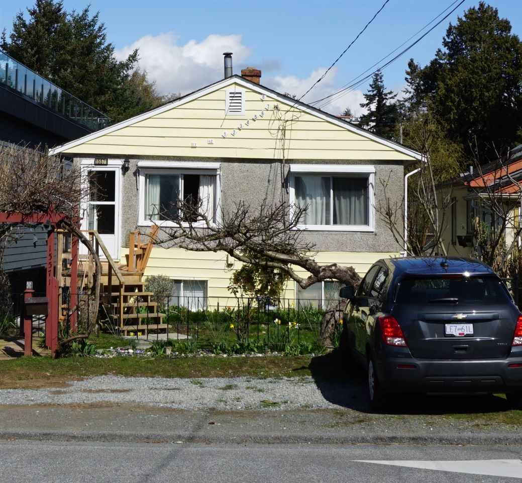 Main Photo: 15571 VICTORIA Avenue: White Rock House for sale (South Surrey White Rock)  : MLS®# R2570444