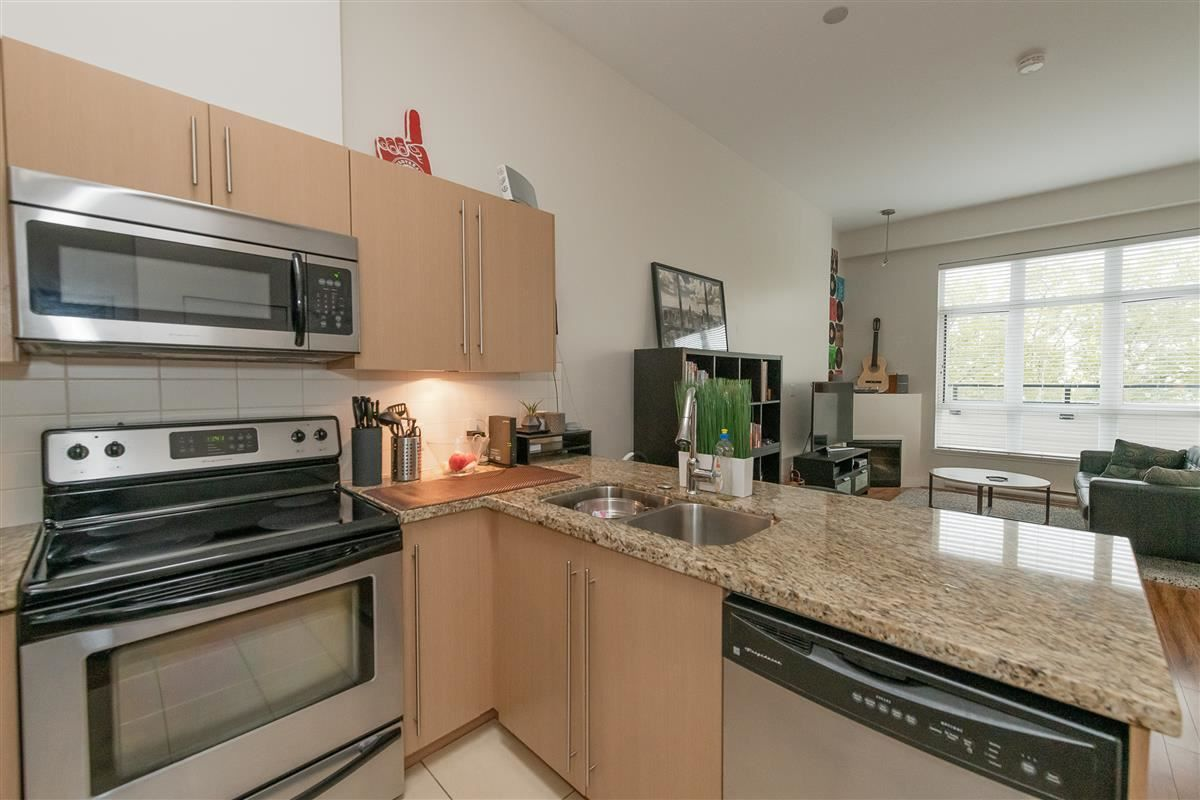 """Photo 9: Photos: 407 7655 EDMONDS Street in Burnaby: Highgate Condo for sale in """"BELLA"""" (Burnaby South)  : MLS®# R2405628"""