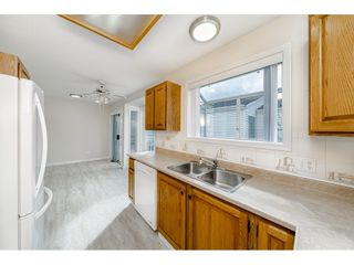 Photo 12: 10 2345 CRANLEY DRIVE in Surrey: King George Corridor Manufactured Home for sale (South Surrey White Rock)  : MLS®# R2528785