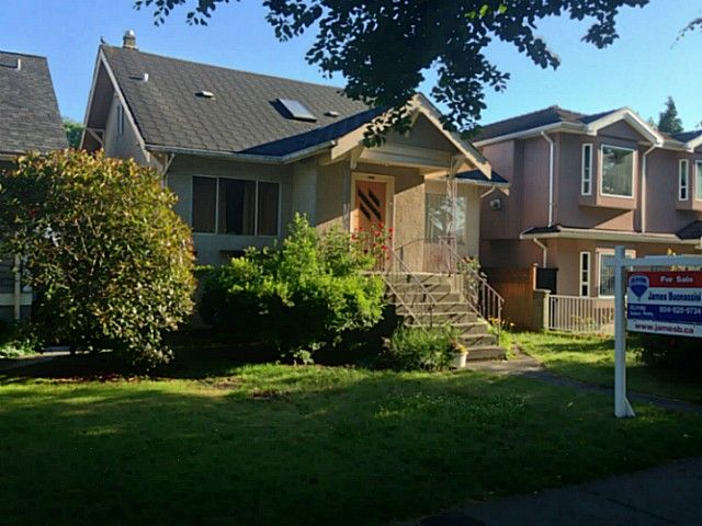 """Main Photo: 2336 CHARLES Street in Vancouver: Grandview VE House for sale in """"Commercial Drive"""" (Vancouver East)  : MLS®# V1011947"""
