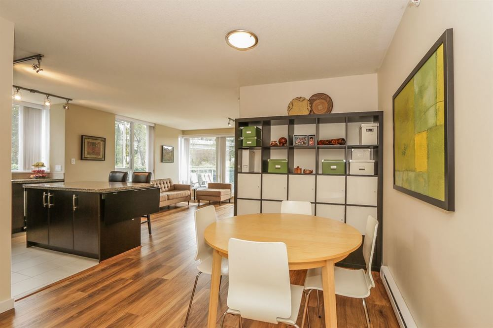 Main Photo: 301 651 NOOTKA Way in Port Moody: Home for sale : MLS®# R2107541