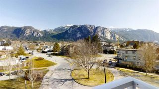 "Photo 16: 402 1203 PEMBERTON Avenue in Squamish: Downtown SQ Condo for sale in ""EAGLE GROVE"" : MLS®# R2553642"