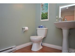 Photo 6: 108 951 Goldstream Ave in VICTORIA: La Langford Proper Row/Townhouse for sale (Langford)  : MLS®# 672174