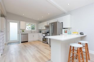 Photo 10: 942 Sluggett Rd in : CS Brentwood Bay Half Duplex for sale (Central Saanich)  : MLS®# 863294