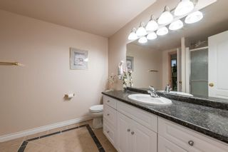 Photo 37: 721 HOLLINGSWORTH Green in Edmonton: Zone 14 House for sale : MLS®# E4259291