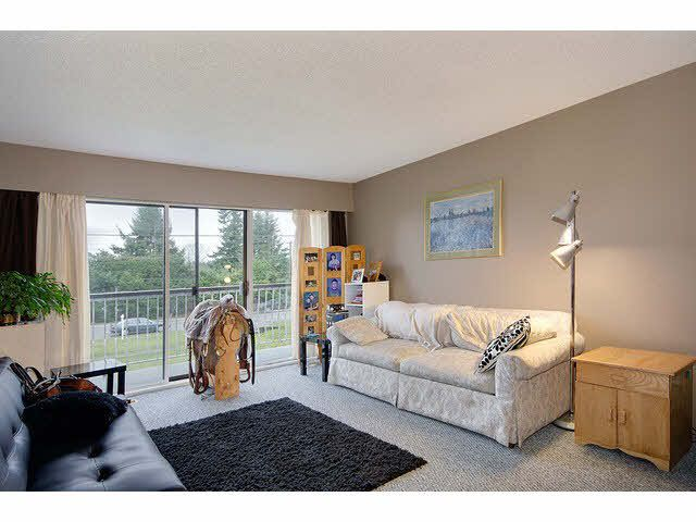 Photo 4: Photos: 1837 KING GEORGE Boulevard in Surrey: King George Corridor 1/2 Duplex for sale (South Surrey White Rock)  : MLS®# F1430326