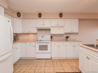 Photo 2: 104 1216 S Island Hwy in CAMPBELL RIVER: CR Campbell River Central Condo for sale (Campbell River)  : MLS®# 703996